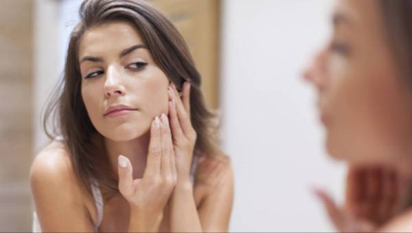 Jak pielęgnować skórę tłustą?