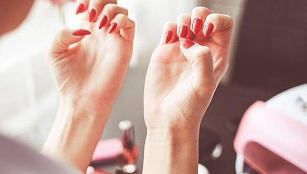 Ekspert wyjaśnia: Czy lampy UV do utwardzania manicure są bezpieczne?