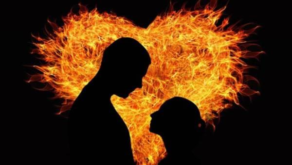 Jak podtrzymać namiętność w związku?