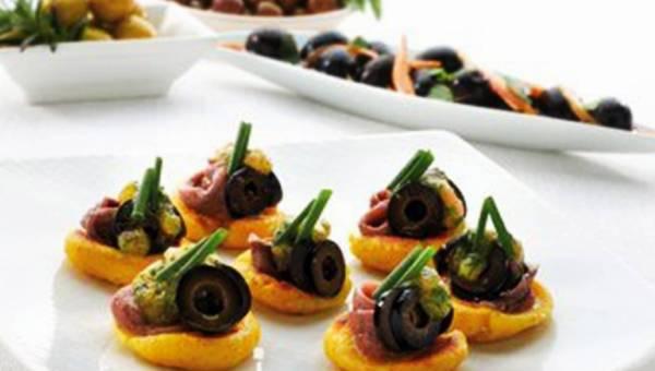 Przepis na chipsy domowej roboty typu TORTOS z oliwkami i anchois
