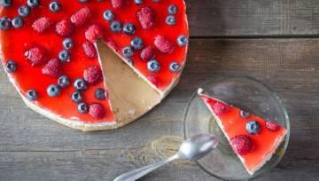 Ciasto bez pieczenia: Sernik na zimno z serkiem mascarpone