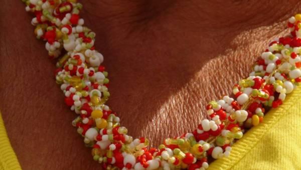 Przebarwienia słoneczne po lecie – jak dbać naturalnie o skórę po wakacjach