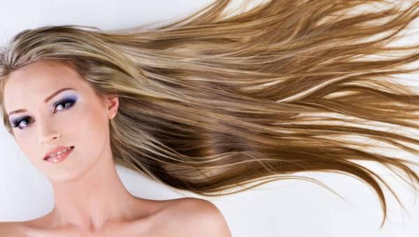 Uszkodzenia włosa – skąd się biorą?