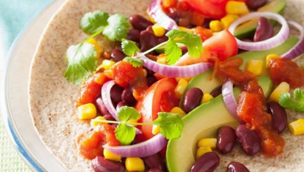 Dla wegetarian: Placek z warzywami i pastą z bakłażana