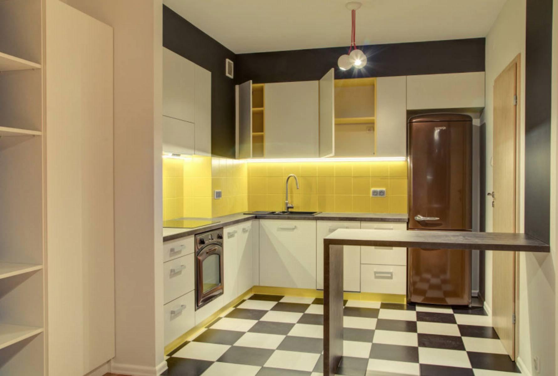 perfect-space-cala-na-bialo-projektant-wnetrz-o-roli-koloru-w-kuchni-2