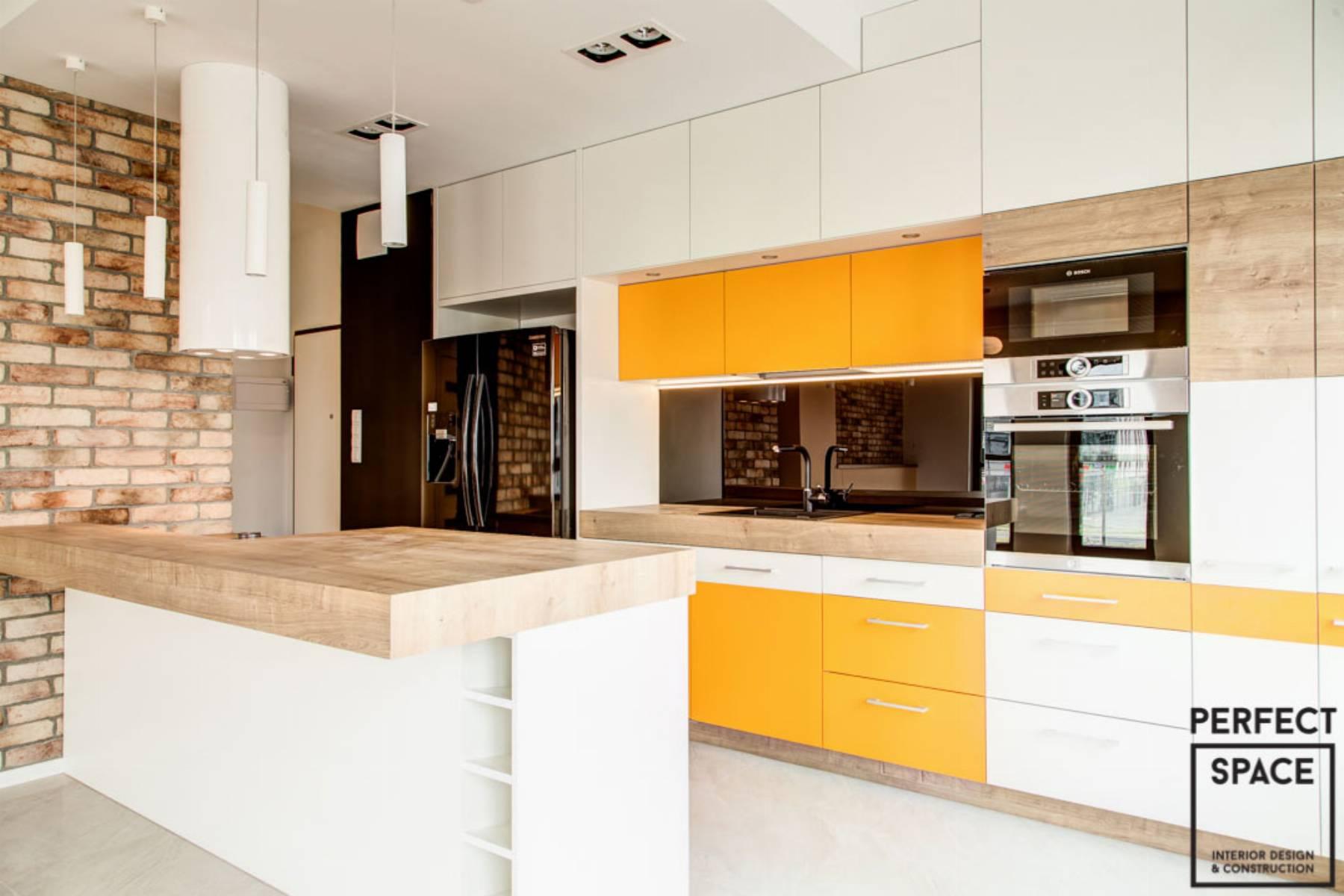 perfect-space-cala-na-bialo-projektant-wnetrz-o-roli-koloru-w-kuchni-3