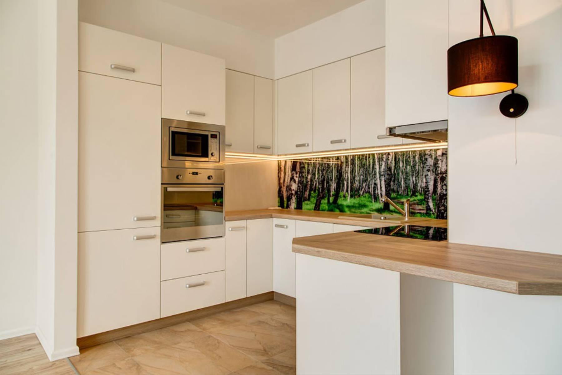 perfect-space-cala-na-bialo-projektant-wnetrz-o-roli-koloru-w-kuchni-4