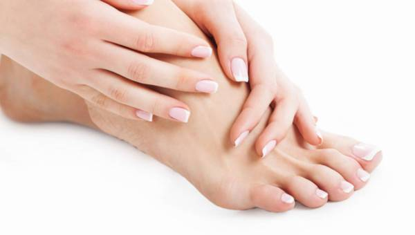 Niechciana pamiątka z wakacji: grzybica paznokci – jak ją leczyć ?