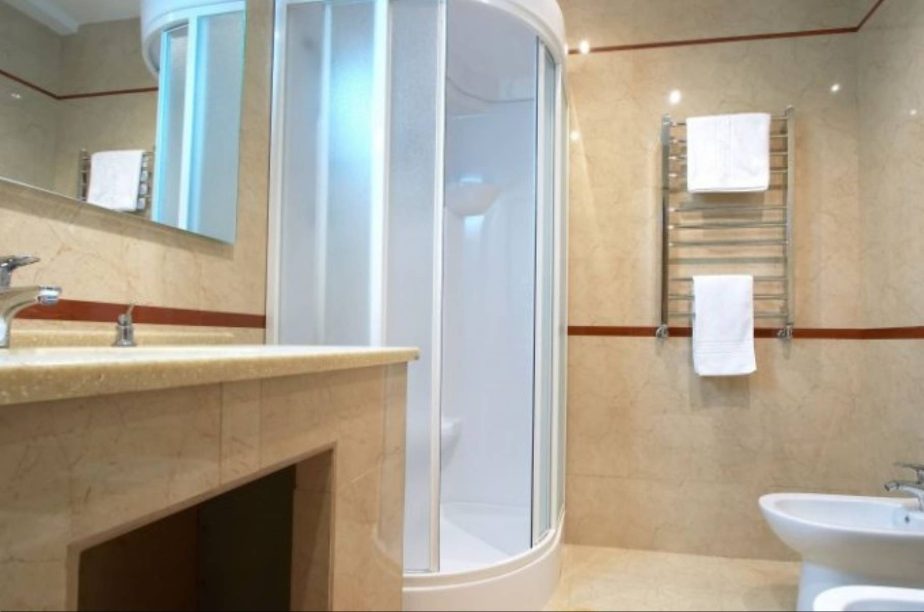 jak-dopasowac-kabine-prysznicowa-do-wielkosci-lazienki-3