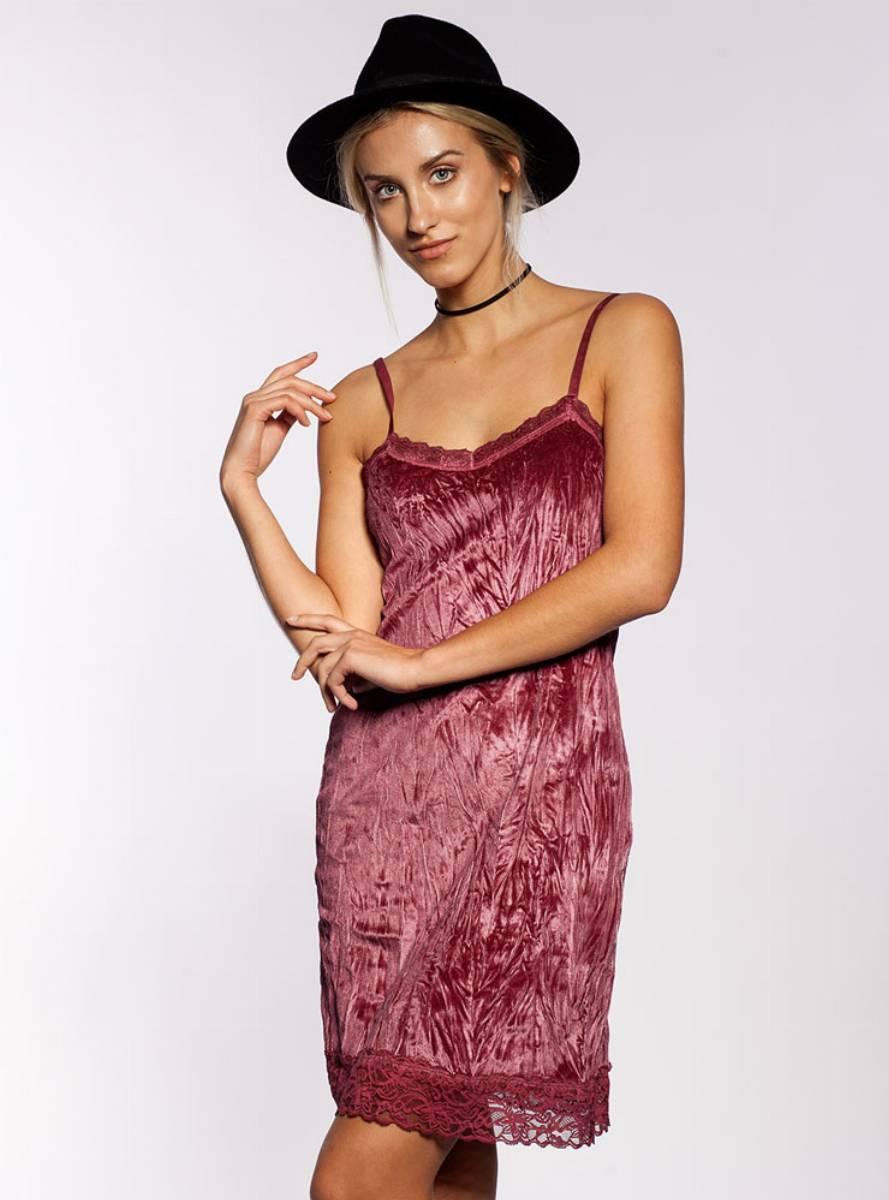 modne-sukienki-jesien-zima-20162-017-od-selfieroom-12
