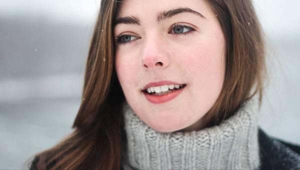 Skóra trądzikowa zimą – jak o nią dbać?