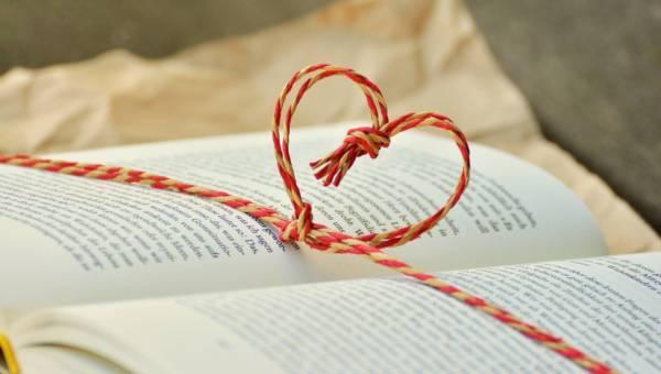 Najlepsze książki na Święta – nasze propozycje