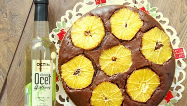 Ciasto czekoladowo-korzenne z pomarańczami i octem jabłkowym