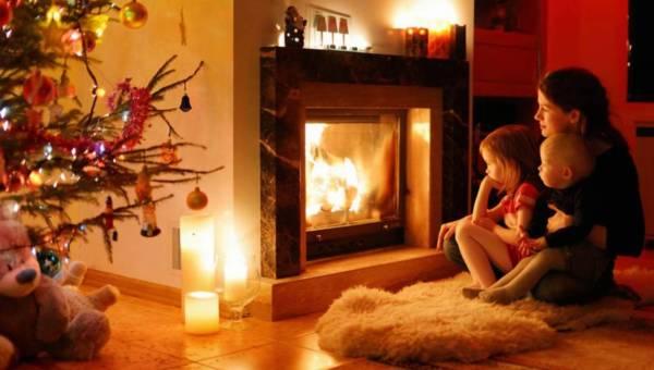 Kominek – inspiracja do świątecznej dekoracji wnętrza