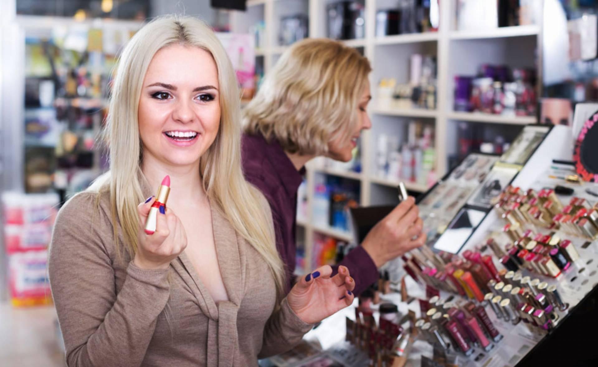 kosmetyczne-must-have-czyli-5-postawowych-kosmetykow-do-dziennego-makijazu-0