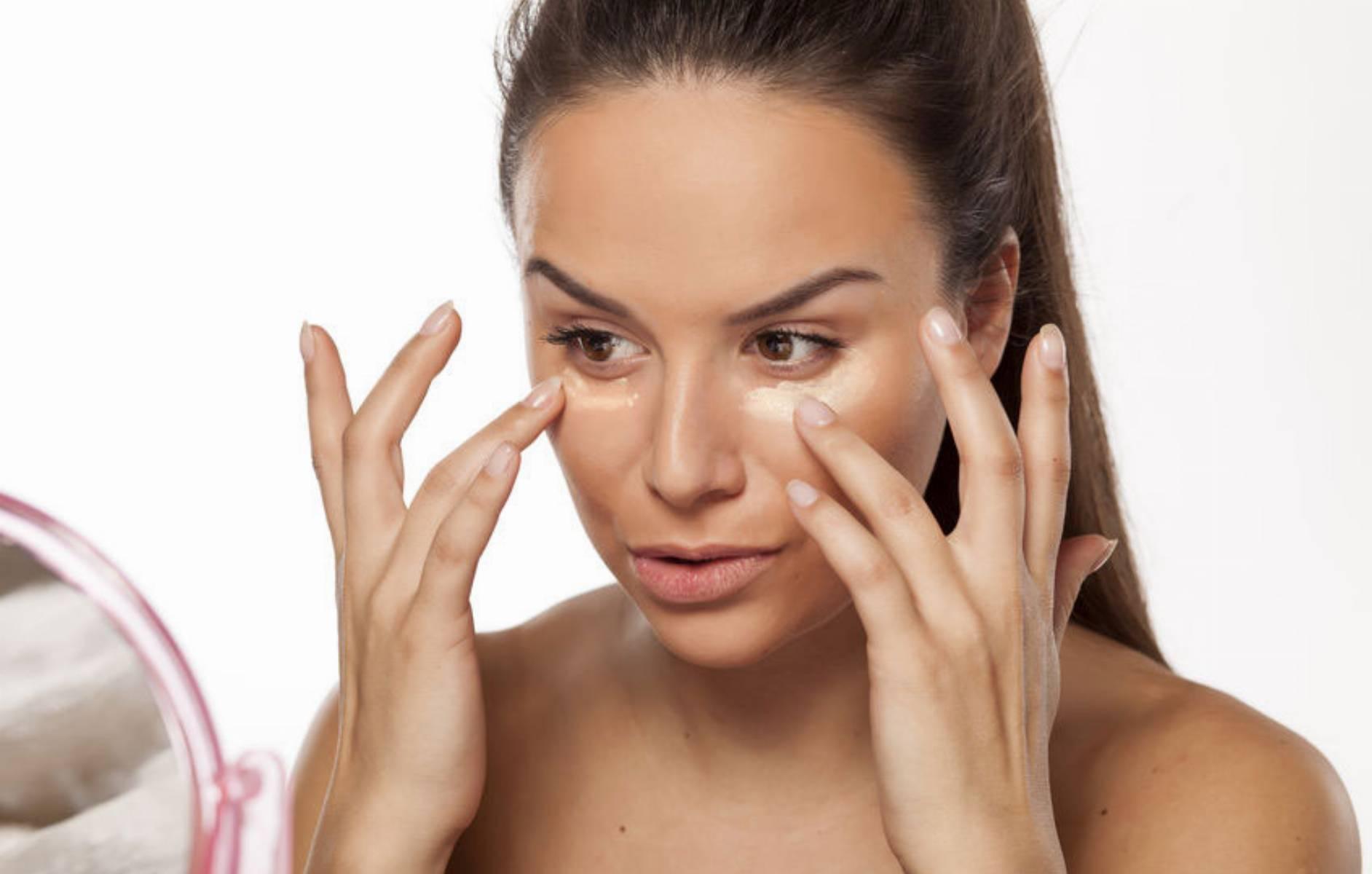 kosmetyczne-must-have-czyli-5-postawowych-kosmetykow-do-dziennego-makijazu-2