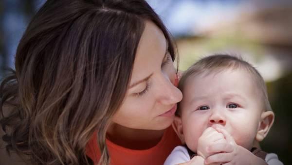 Jak dbać o siebie będąc mamą? Urodowe tricki