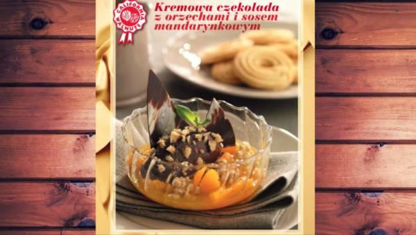 Kremowa czekolada z orzechami i sosem mandarynkowym