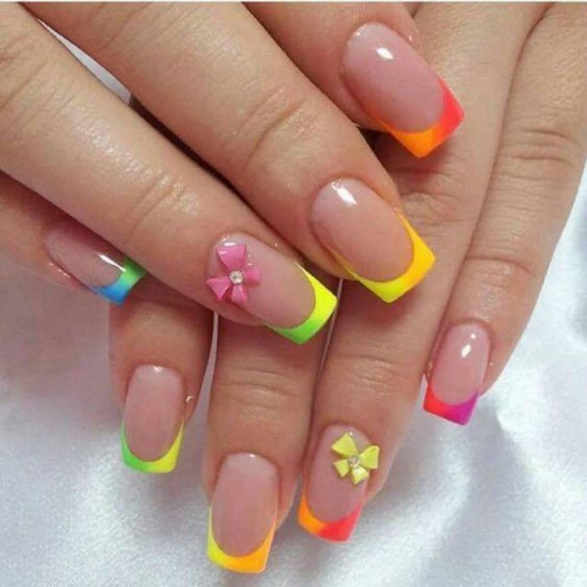 Paznokcie żelowe French Kolorowe