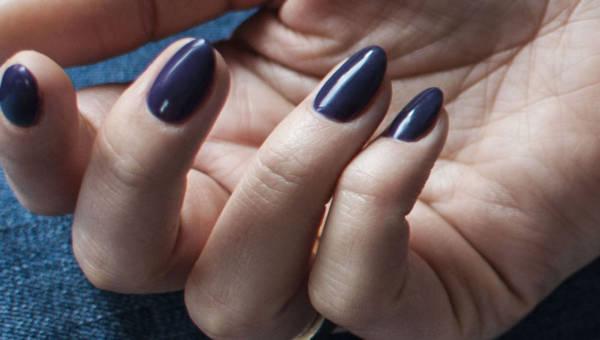 Manicure tytanowy – poznaj jego zalety i wady