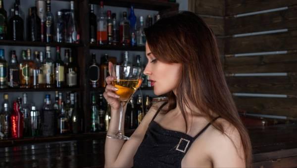 8 symptomów, że pijesz za dużo alkoholu