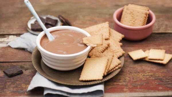 Przepis na fondue sernikowo-czekoladowe