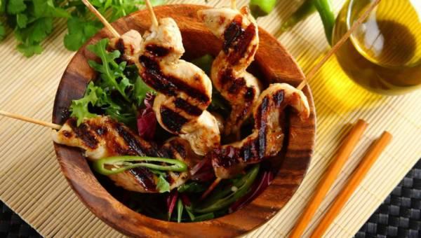 Kurczak satay z miodem – na sposób tajski