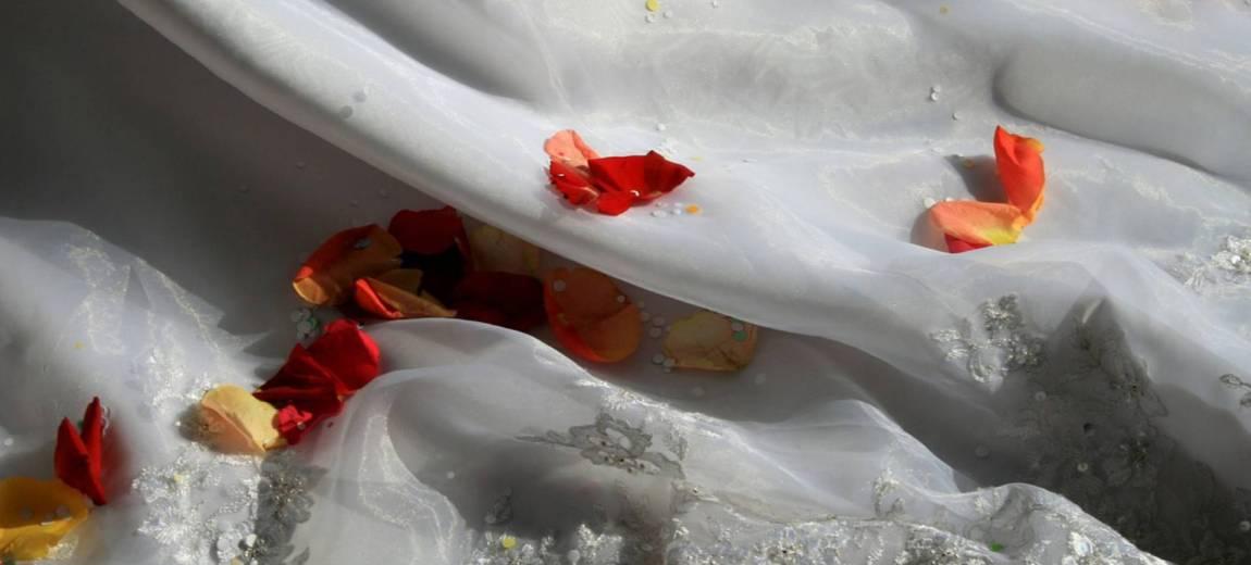 Suknia ślubna, która wywołała burzę w mediach społecznościowych