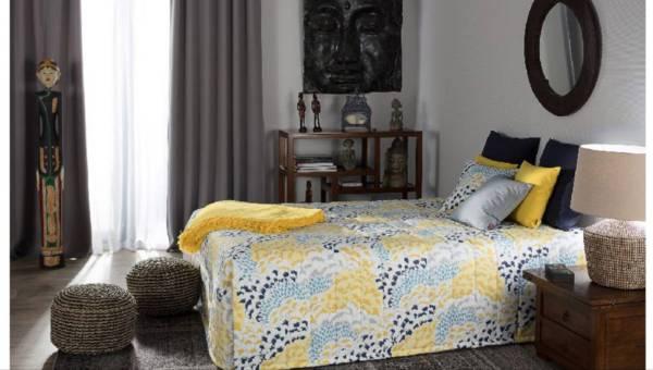 Dodatki w stylu kolonialnym, czyli jak nadać salonowi lub sypialni egzotycznego charakteru