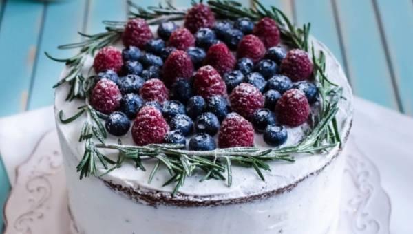 Szybkie ciasto bez pieczenia: WALENTYNKOWY TORT w 15 minut
