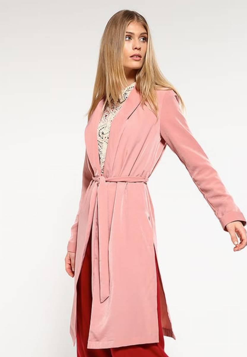 modne stylizacje płaszcz na wiosnę