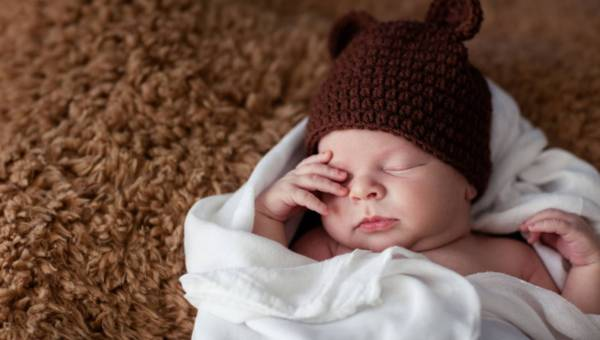 Jak usypiać dziecko? Sprawdzone sposoby wieloletnich niań!
