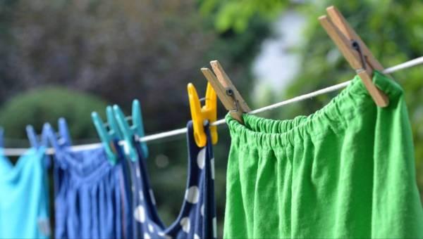 Nieprzyjemny zapach ubrań – sprawdź, jak go usunąć!