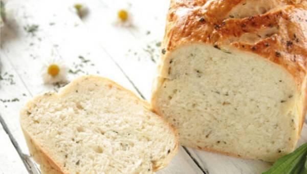 Przepis na chleb bezglutenowy pieczony na serze feta lub tofu
