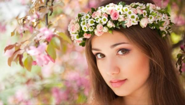 Przywołaj wiosnę makijażem z Golden Rose
