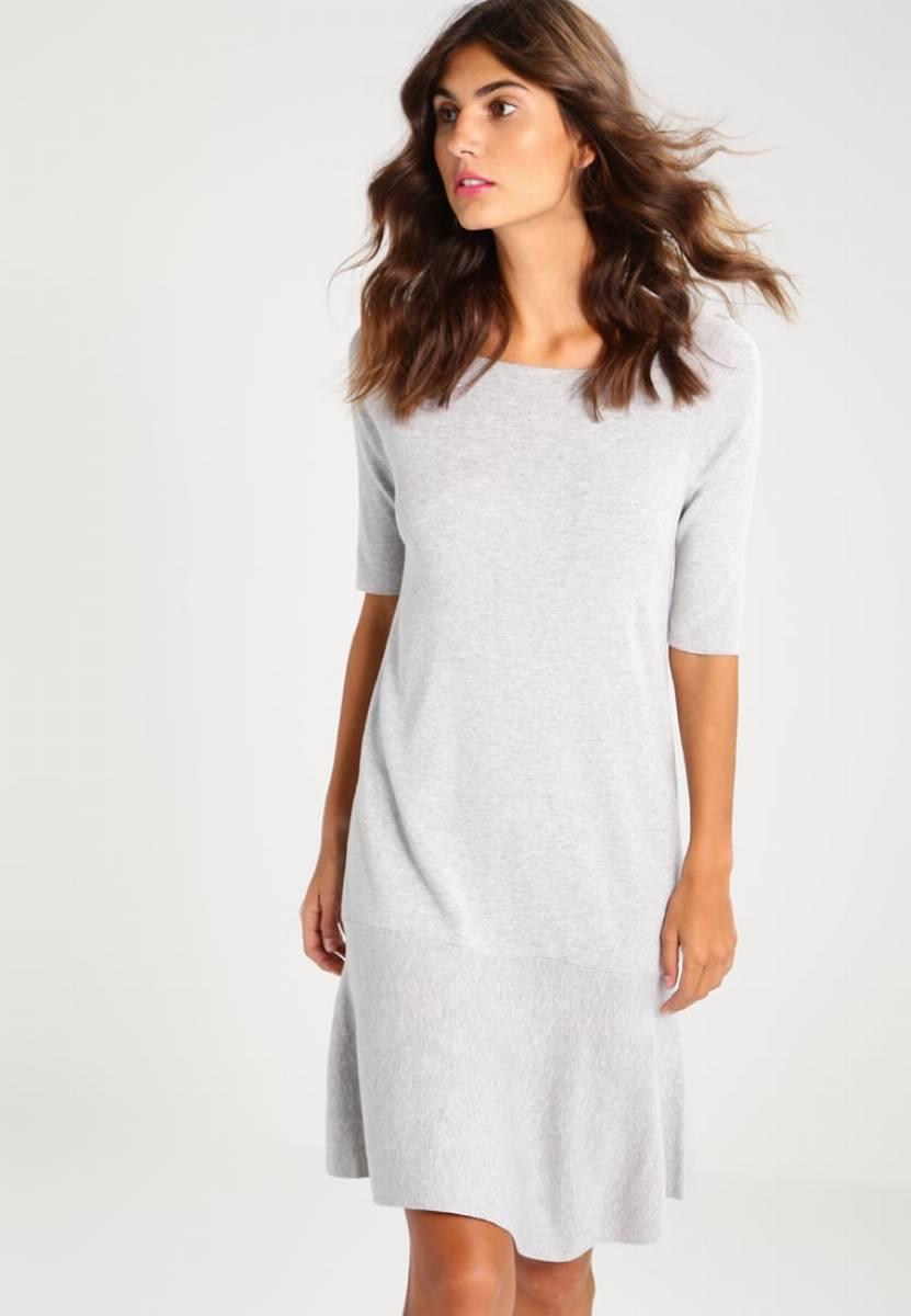 78f4d996f8 Przewodnik zakupowy  najładniejsze sukienki na komunię dla mamy (lub gościa)