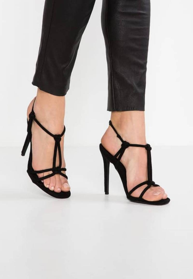 Shoppingowy przegląd: najładniejsze sandały na obcasie na