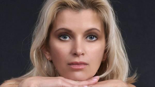 TOP zabiegi medycyny estetycznej: Niechirurgiczny lifting twarzy na wiosnę