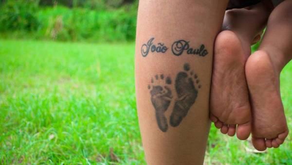 Tatuaż na cześć dziecka – najlepsze pomysły i inspiracje!