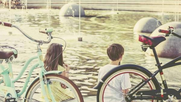 Podpowiadamy: Co zabrać na rodzinną wycieczkę rowerową?