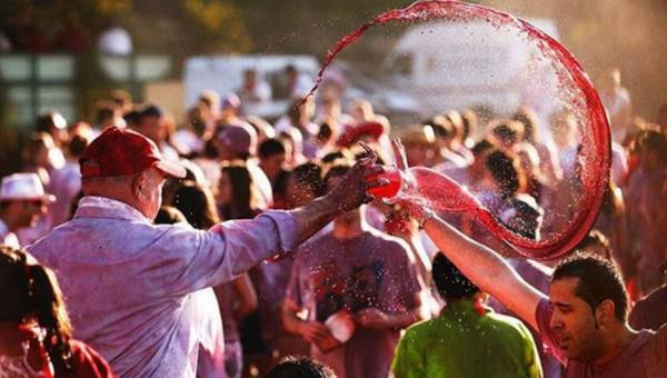 Bitwa na wino w Hiszpanii, czyli La Batalla del Vino