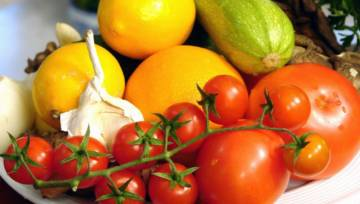 Owoce i warzywa bez chemii – poznaj zdrową piętnastkę, najmniej narażoną na toksyny!
