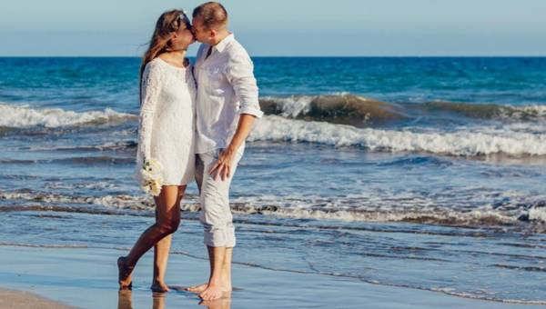 Hawajski ślub – pomysł na egzotyczne wesele