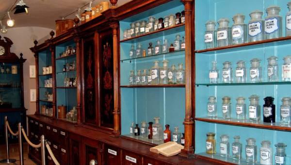 Kosmetyki z apteki – tanie i skuteczne. Prawdziwe hity za kilka złotych