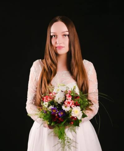 Fryzury ślubne od marki KEMON