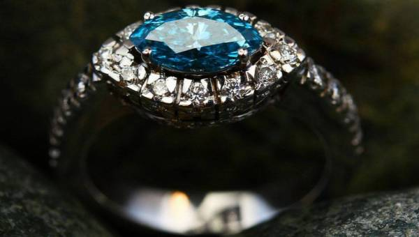 Filmowe role biżuterii