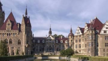 Najpiękniejsze polskie zamki, w których możesz nocować!
