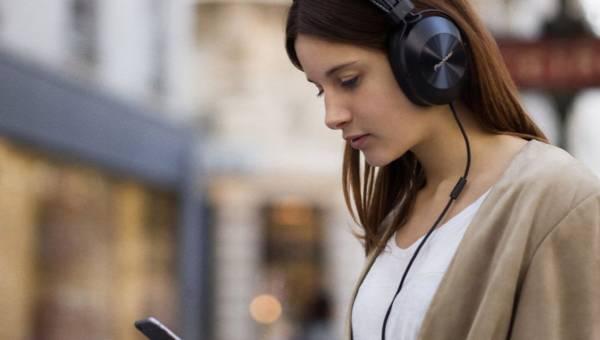 Wyróżnij się z tłumu dzięki słuchawkom marki Pioneer