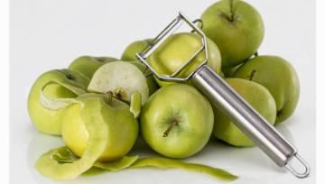 Czego nie obierać ze skórki? Sprawdź, które warzywa i owoce kryją skarb w łupince!