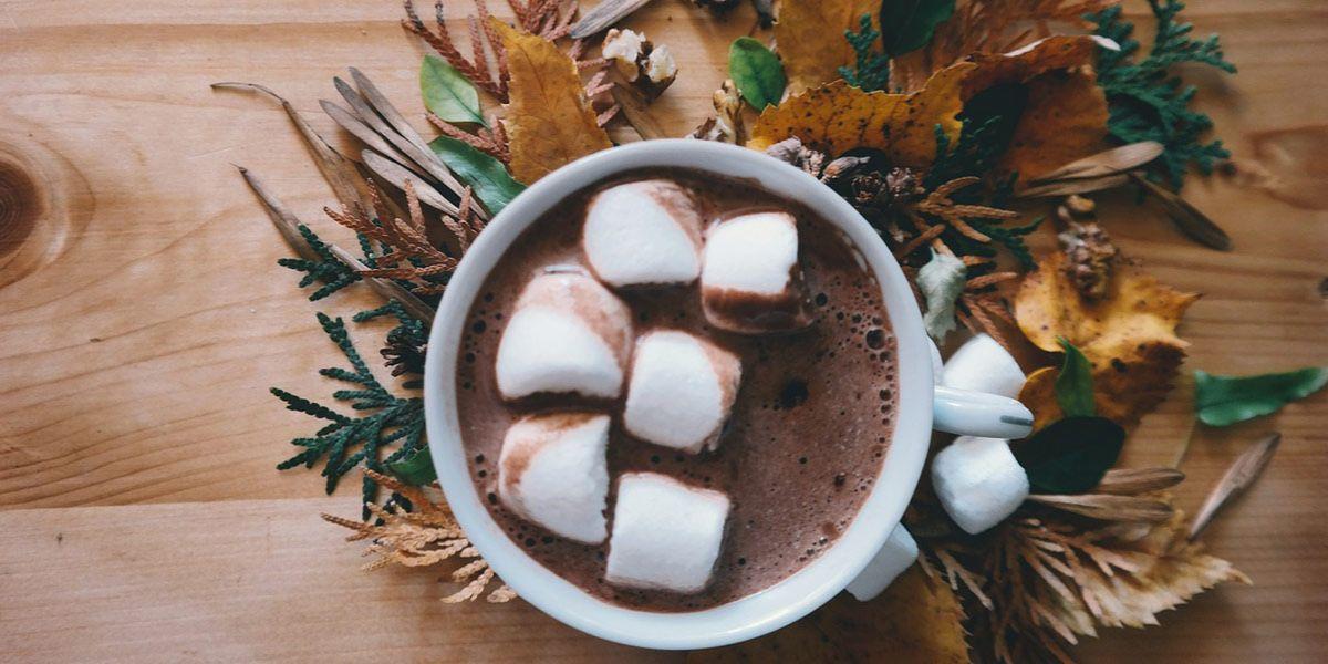 gorąca czekolada ze śmietaną